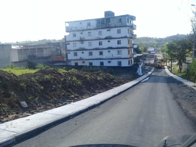 Terreno nas mediações da JS Pinheiro asfaltado