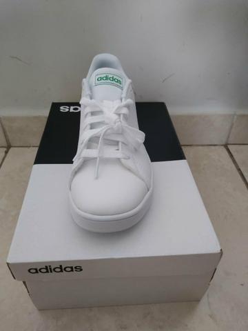 Vendo tênis Adidas número 32/33 - Foto 3