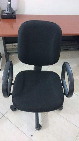 Mesa / cadeira e armário para escritório - Foto 2