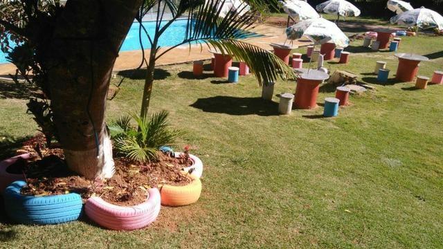Chácara com triplex, área para festas com 3 piscinas e vagas p/ mais de 40 automóveis!! - Foto 20