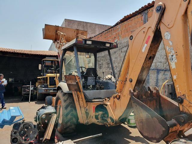 PA Carregadeira Case 580 M 4x2 Ano 2010 (100% de procedência boa) - Foto 2