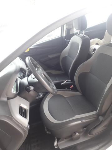 Ônix 1.0 LT Hatch 2015/2016 - Foto 6