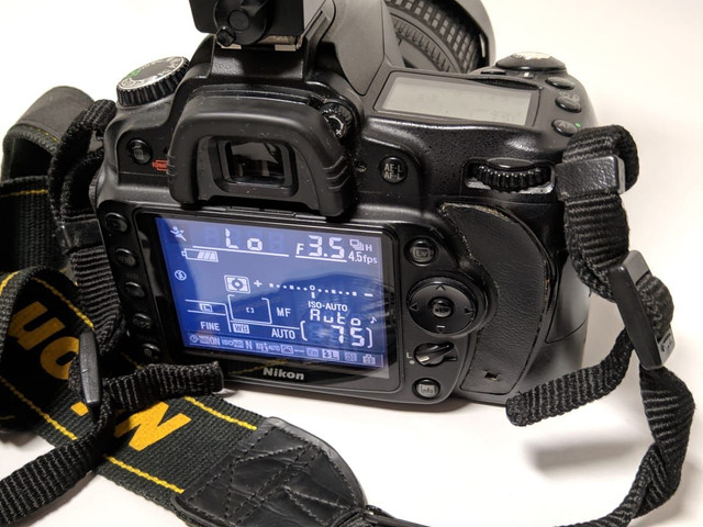 Nikon D90 nova + lente
