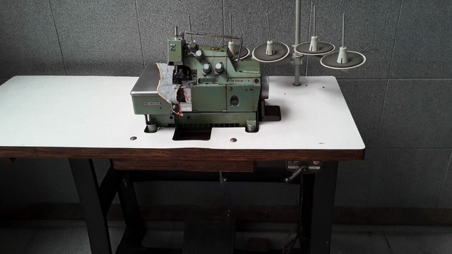 Maquina interloque industrial Yamata - Foto 3