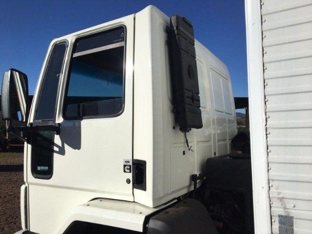 Ford Cargo 2422 6x2 - Foto 3