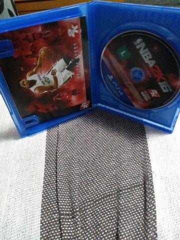 PS4 JOGO NBA2K16 - Foto 5