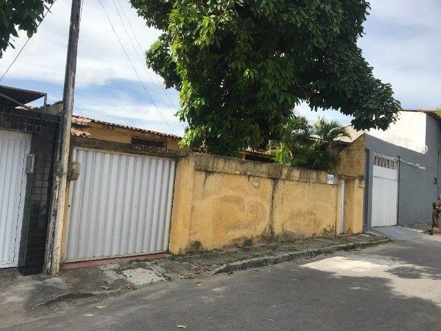 Ótima casa no Conjunto Beira Rio próxima ao Super Lagôa