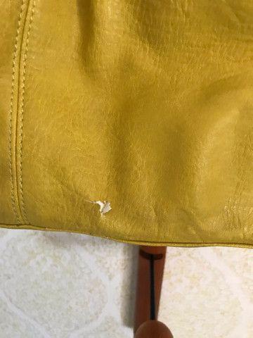Bolsa couro Zara amarela com sinais de uso - Foto 2