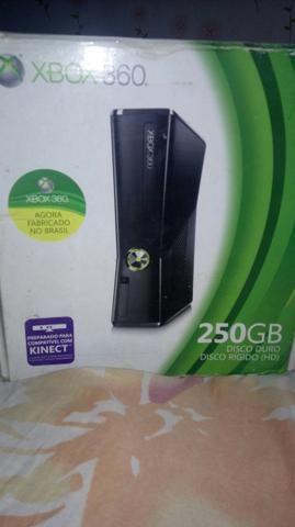 Xbox360 com cotrole original e kinect mais dois jogos kinect