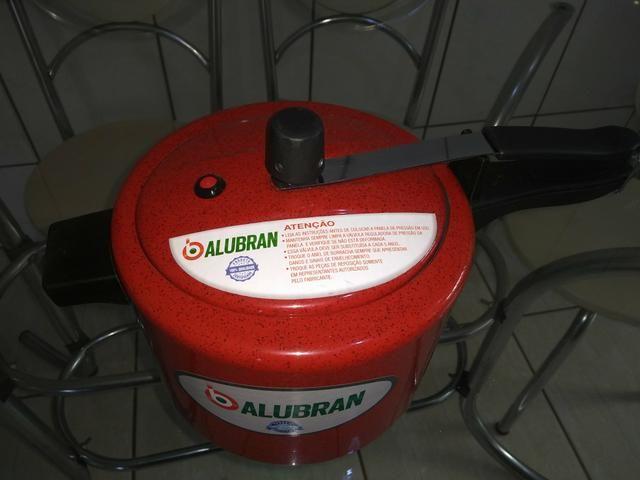 Promoção panela de pressão vermelha R$ 50,00