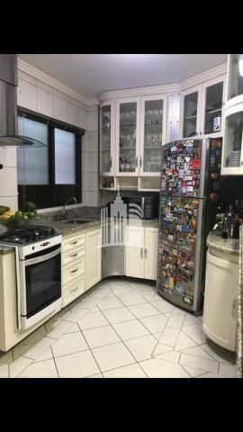 Apartamento 02 dormitórios no columbus tower quadra do mar com vista com a av. brasil ! - Foto 8