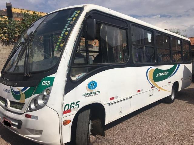 Micro-ônibus Mercedes Bens LO915 - 2010 - Foto 4