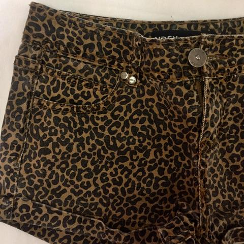 Short jeans oncinha - Foto 3