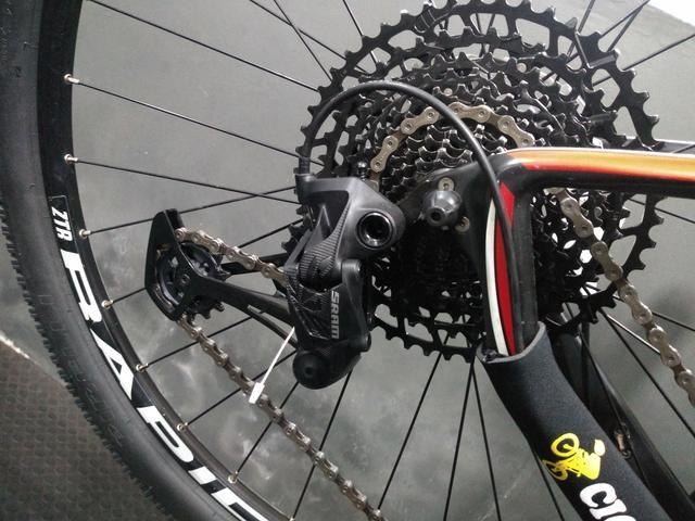 Bicicleta 29 carbono grupo Eagle Sram 12v - Foto 5