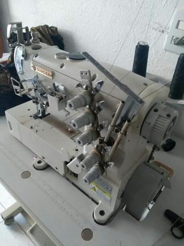 Máquina de costura goleira