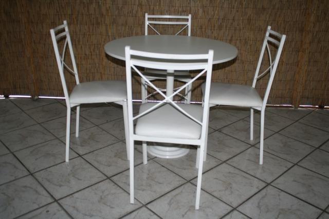 Cadeira em ferro com encosto em x e assento em korino na cor branca - Foto 6