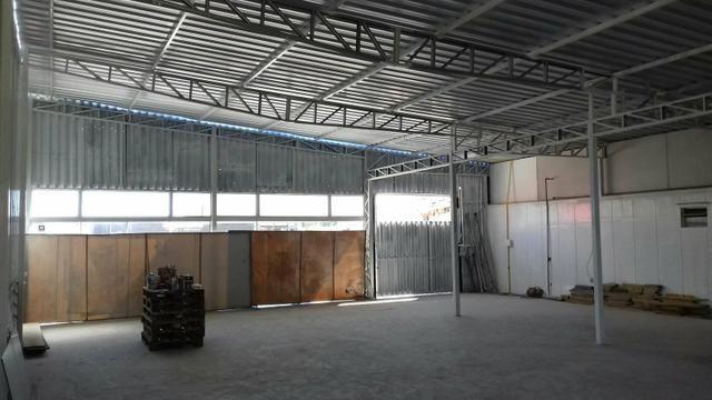 51e4dd3770a Galp?o comercial para locação - Comércio e indústria - Costeira do ...
