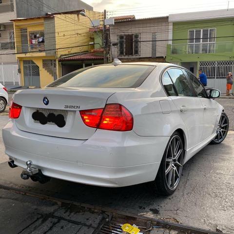 BMW 320i 09/10 - Foto 3