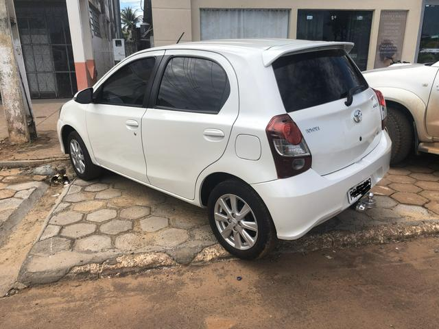 ETIOS Hatch 1.5 X Plus - Foto 2
