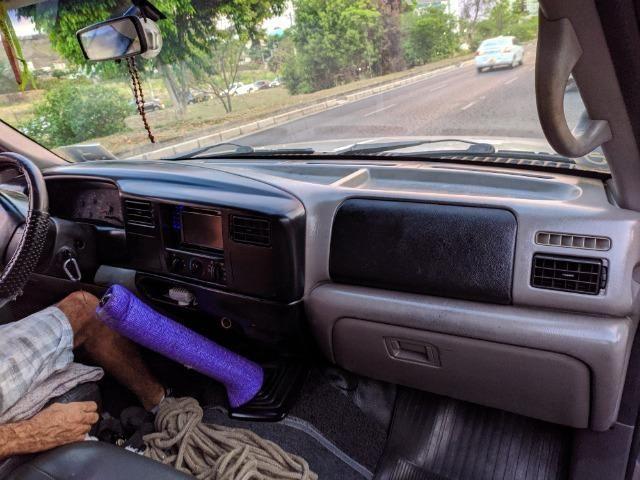F250 99 diesel vendo ou troco em carro - Foto 6