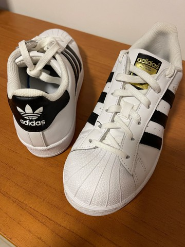 Tênis Adidas Superstar - novo