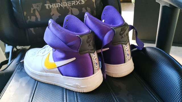Nike Air force one mid one