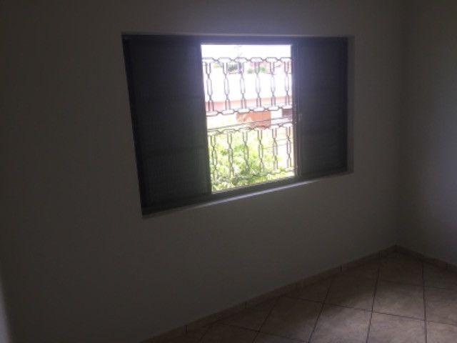ABAIXOU: VENDE-SE PREDIO COM AREA COMERCIAL  + APTO +KIT NET NO SEGUNDO PISO - Foto 2