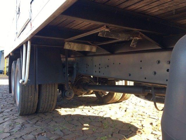 Ford Cargo 2422 6x2 - Foto 9