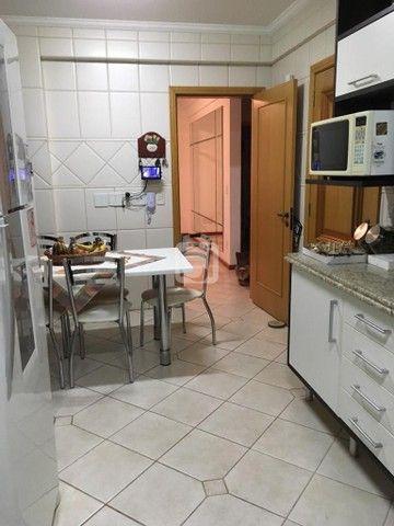 Apartamento de 3 dormitórios, 5 banheiros, 2 vagas de garagem, localizado no Bairro Nossa  - Foto 20