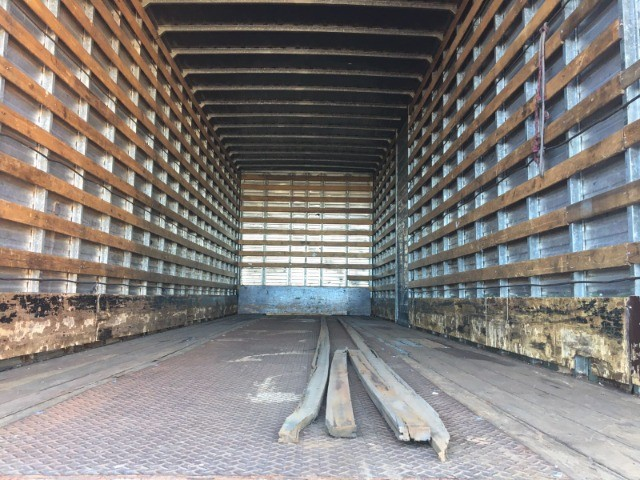 Ford Cargo 2422 6x2 - Foto 8