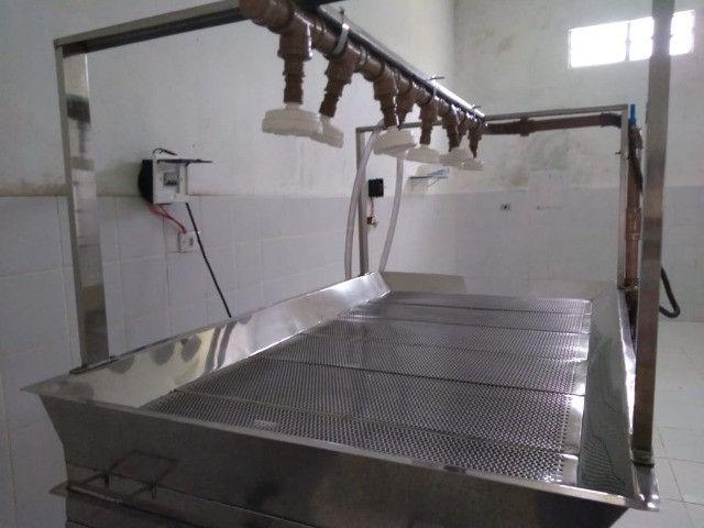 Mesa de Lavagem 100% Inox - Higienização Por Aspersão - Inox Aisi 304 - Iso 9002 - Foto 6