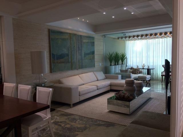 """Magnífico apartamento """"NOVO"""" 4 suítes na Avenida em Meia Praia em Itapema SC - Foto 2"""