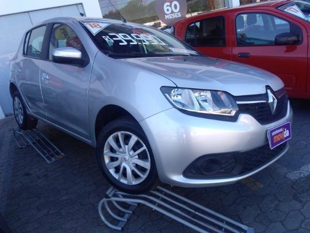 Renault Sandero 1.0 12 válvulas prata