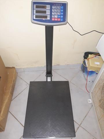Balança digital plataforma 400kg nova