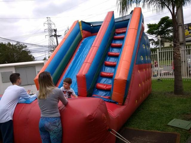 Tobogã gigante inflável pebolim e mais - Foto 2