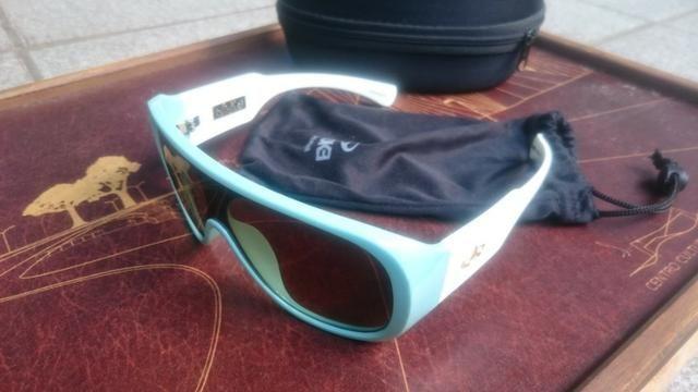 2 Pares de óculos - Ray Ban e Evoke