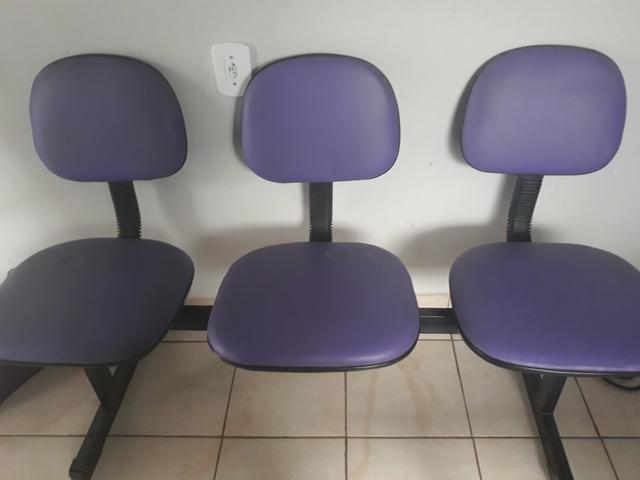 Cadeira com três lugares