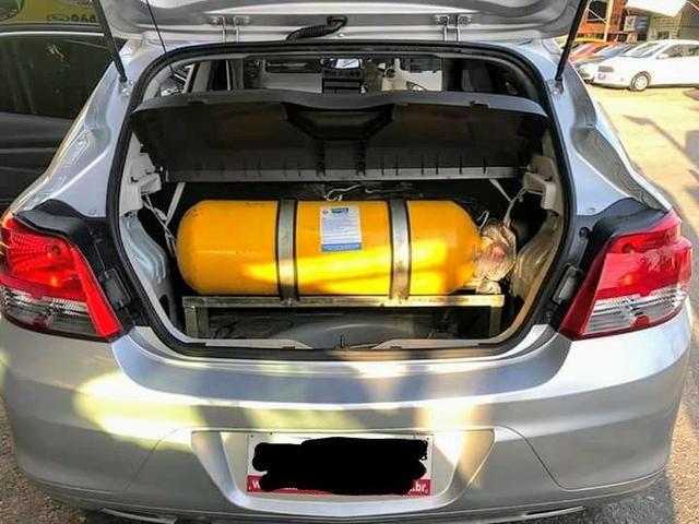 Onix com kit gás entrada+649,00 fixas - Foto 8