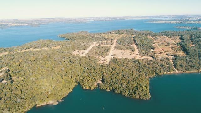 Lote à beira do Lago Corumbá 4