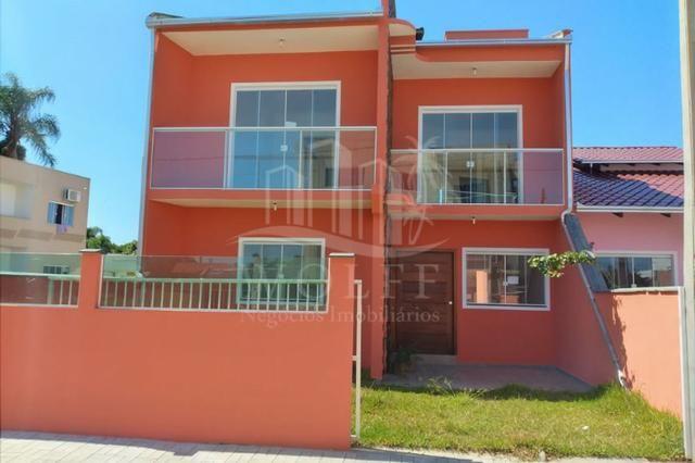 JD346 - Sobrado com 3 suítes + 1 dormitório térreo em Barra Velha/SC