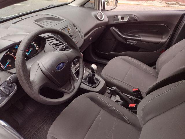 Ford Fiesta SE 1.6 Hatch 2017 Branco Único Dono Completo - Foto 12