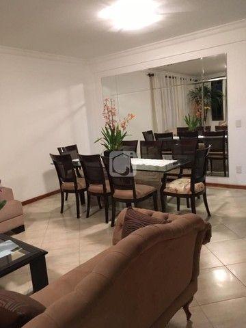 Apartamento de 3 dormitórios, 5 banheiros, 2 vagas de garagem, localizado no Bairro Nossa  - Foto 8