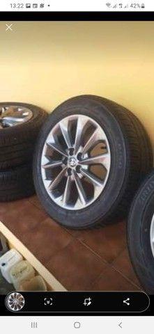 Jogo de roda com os pneus zerado