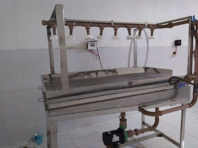 Mesa de Lavagem 100% Inox - Higienização Por Aspersão - Inox Aisi 304 - Iso 9002 - Foto 4