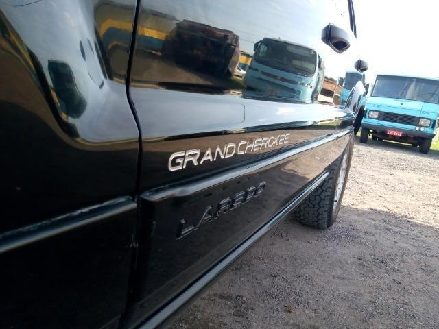 Jeep Grand Cherokee laredo 4.0 6cc linha 4x4 gnv e gasolina - Foto 7