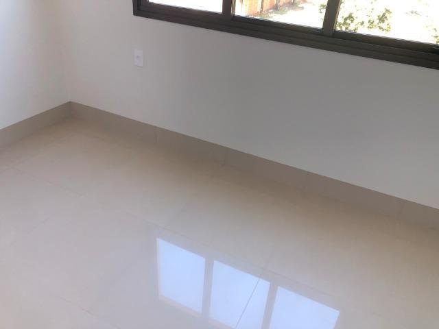 Sobrado 200 m2, acabamento Top, 03 Suítes, em Tangará, aceito carro, terrenos, casa menor - Foto 3