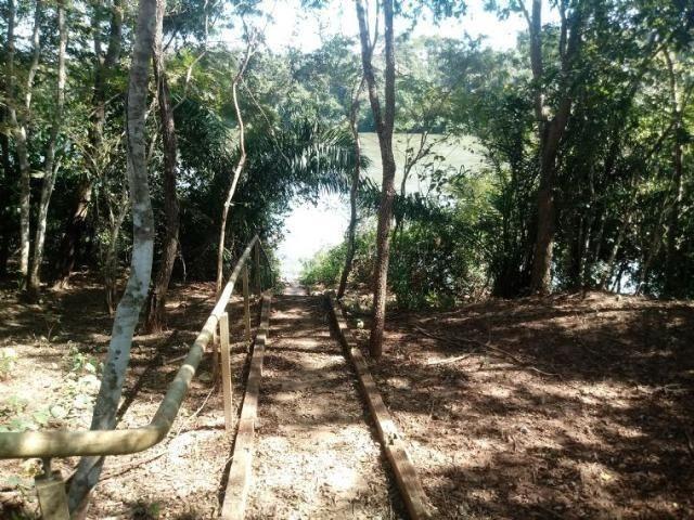 Chácara de 4 hectares em Acorizal, nas margem do rio Cuiabá.