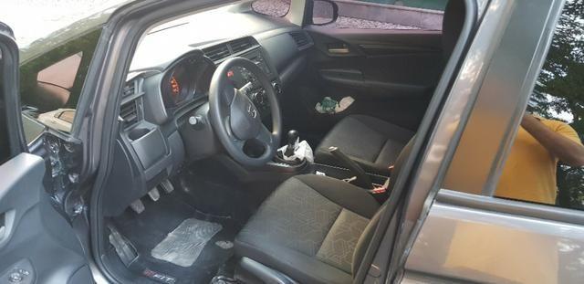 Honda Fit LX único dono todas revisões na Honda apenas 30mil km - Foto 11