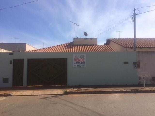 Casa Jardim Luz com 3 quartos e 1 suíte 330 m² Aparecida de Goiânia - GO