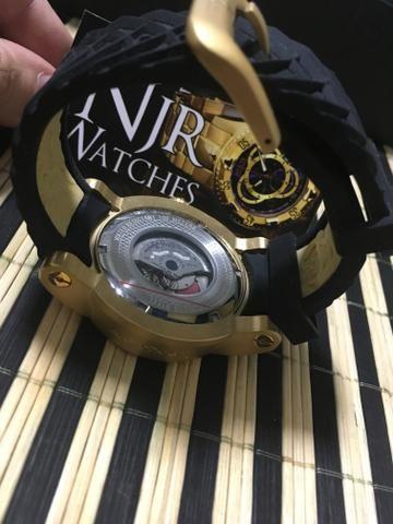 PROMOÇAO Relogio Invicta Yakusa dourado com preto novo automatico - Foto 4